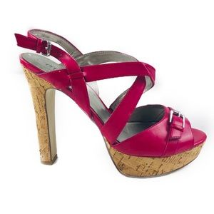 Guess fuchsia/ bright pink strappy heel 10